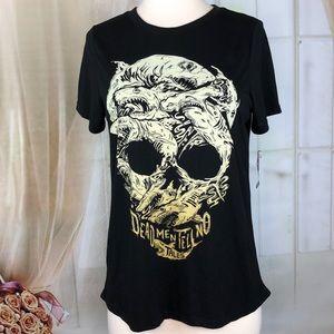 Disney Pirates of the Caribbean BL Skull T-shirt